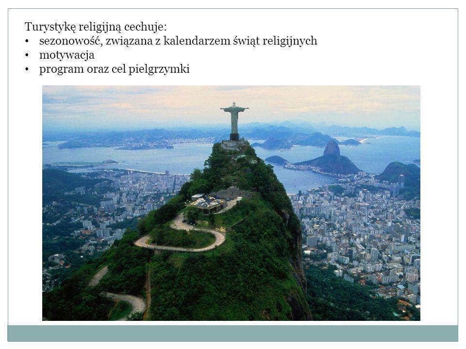 Turystykę religijną cechuje: