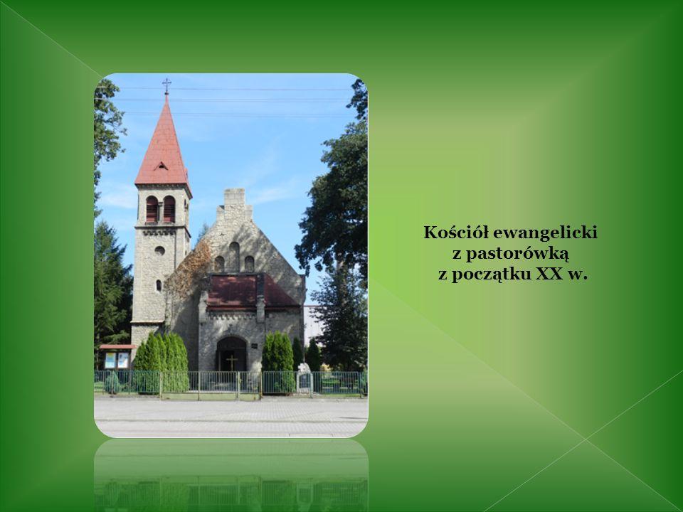 Kościół ewangelicki z pastorówką z początku XX w.