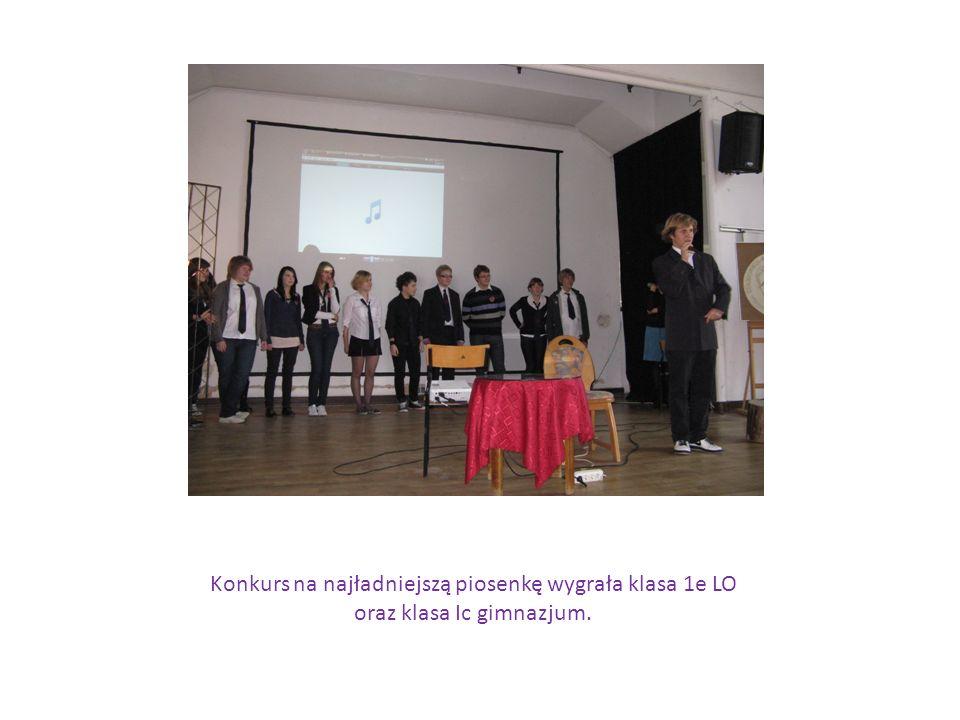 Konkurs na najładniejszą piosenkę wygrała klasa 1e LO oraz klasa Ic gimnazjum.