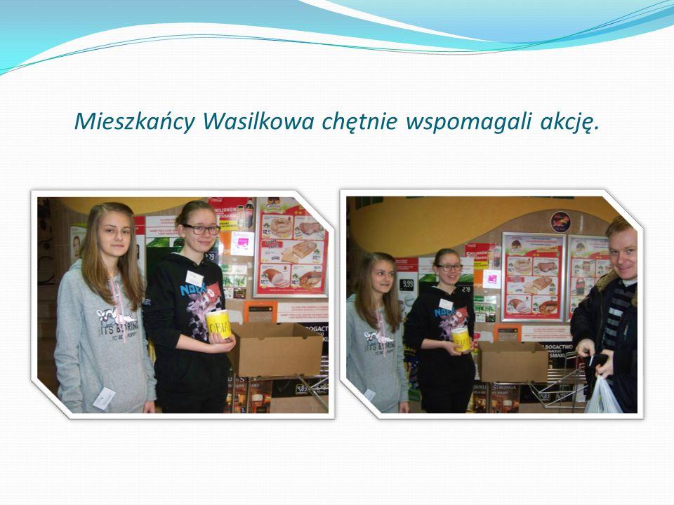 Mieszkańcy Wasilkowa chętnie wspomagali akcję.