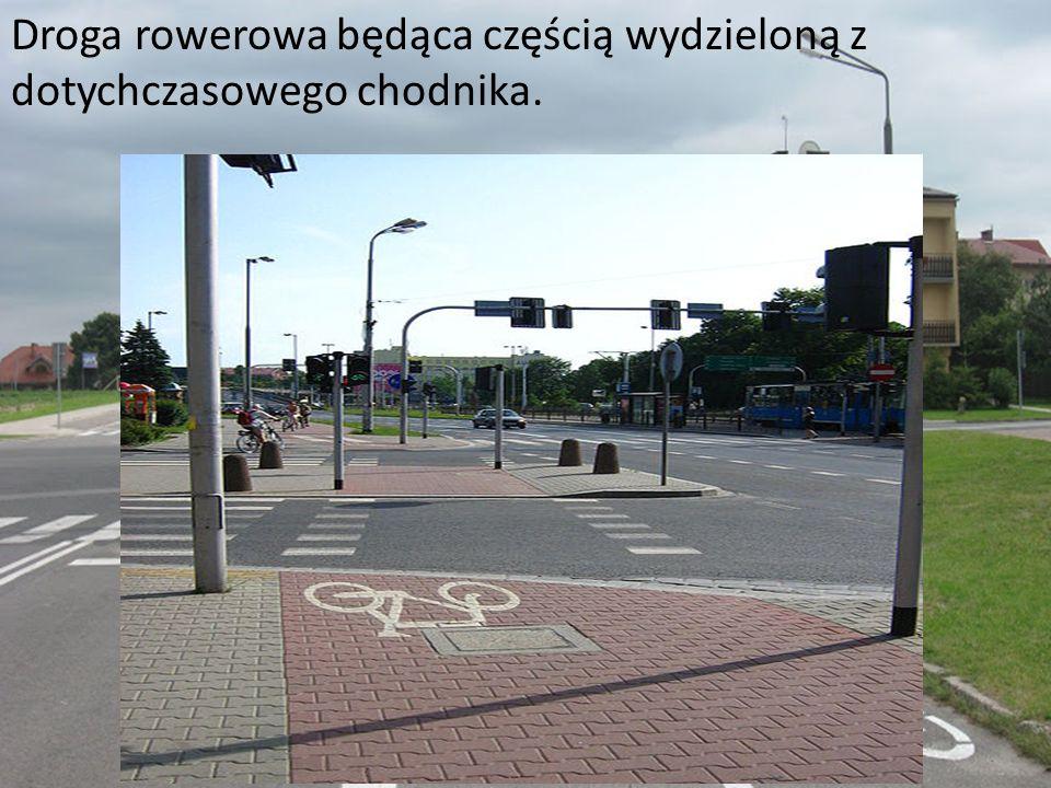 Droga rowerowa będąca częścią wydzieloną z