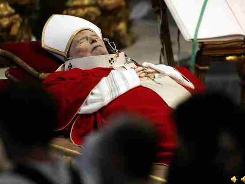 O godz. 21.37 osobisty papieski lekarz Renato Buzzonetti stwierdził śmierć Jana Pawła II.