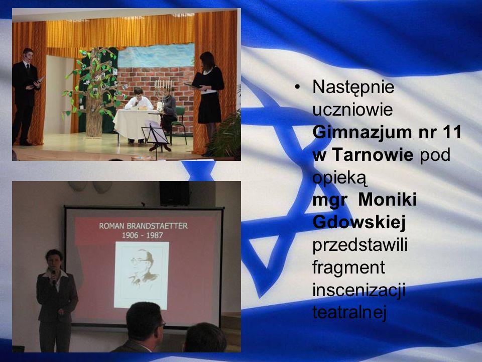 Następnie uczniowie Gimnazjum nr 11 w Tarnowie pod opieką mgr Moniki Gdowskiej przedstawili fragment inscenizacji teatralnej