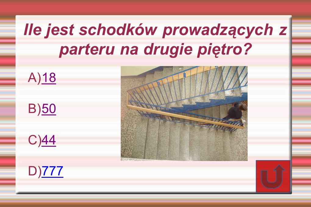 Ile jest schodków prowadzących z parteru na drugie piętro