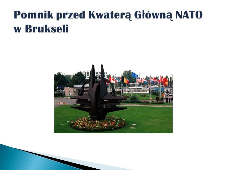Pomnik przed Kwaterą Główną NATO w Brukseli