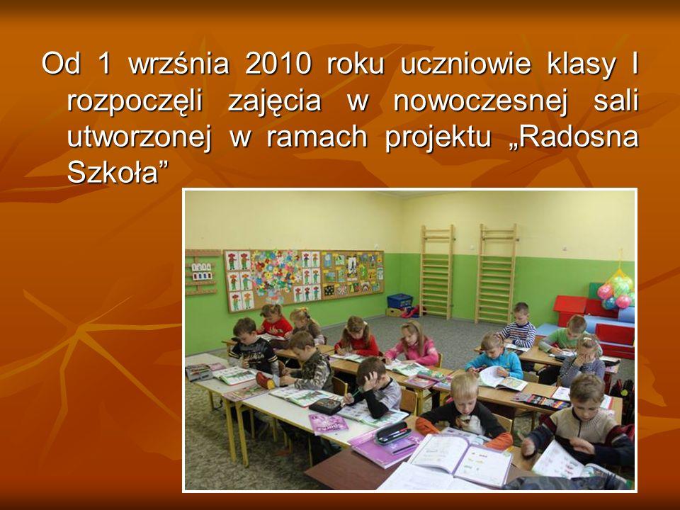 """Od 1 wrzśnia 2010 roku uczniowie klasy I rozpoczęli zajęcia w nowoczesnej sali utworzonej w ramach projektu """"Radosna Szkoła"""