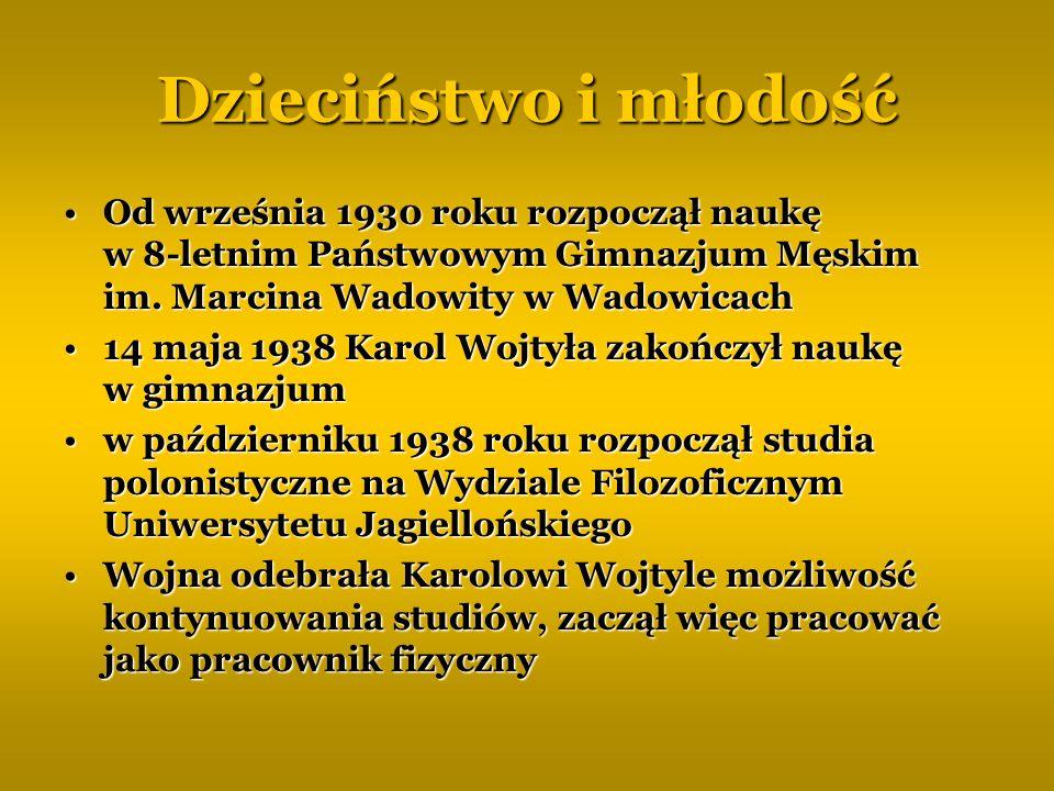 Dzieciństwo i młodość Od września 1930 roku rozpoczął naukę w 8-letnim Państwowym Gimnazjum Męskim im. Marcina Wadowity w Wadowicach.