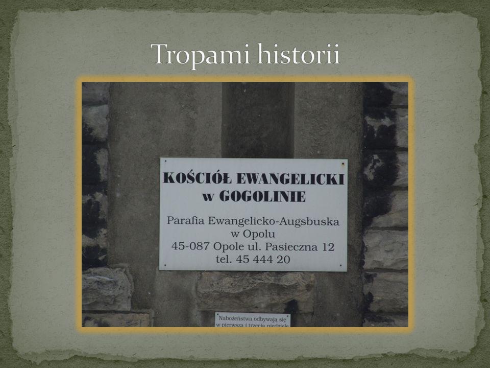 Tropami historii
