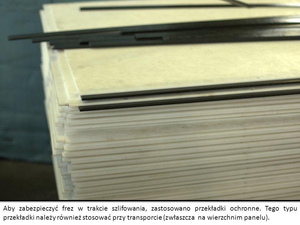 Aby zabezpieczyć frez w trakcie szlifowania, zastosowano przekładki ochronne.