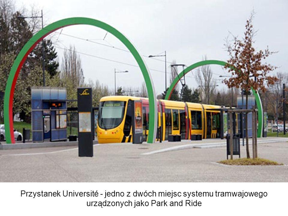 Przystanek Université - jedno z dwóch miejsc systemu tramwajowego urządzonych jako Park and Ride