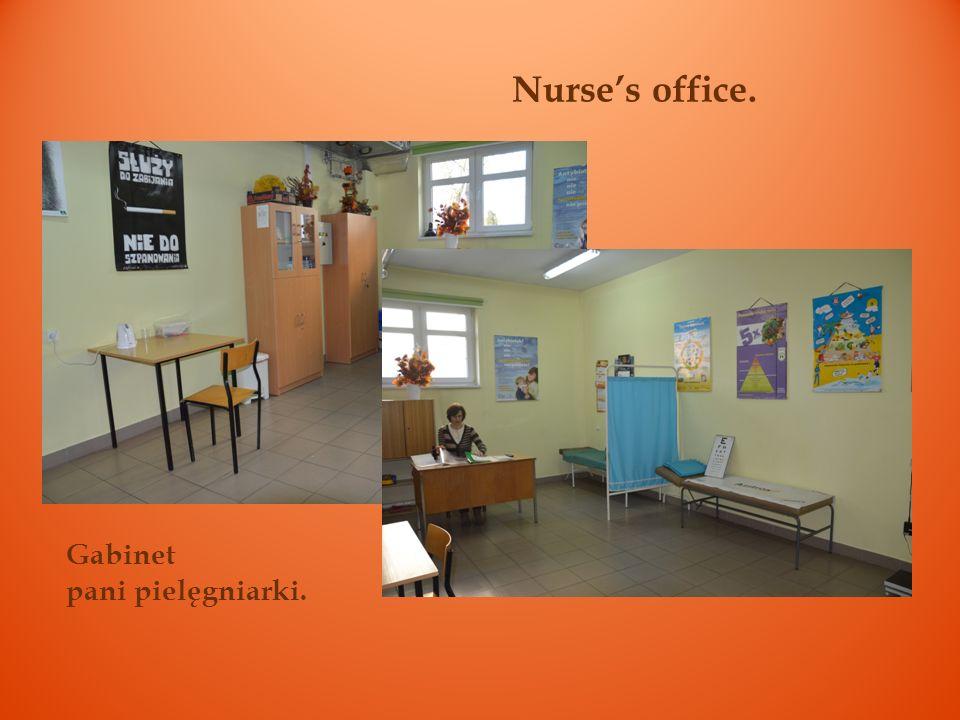 Nurse's office. Gabinet pani pielęgniarki.