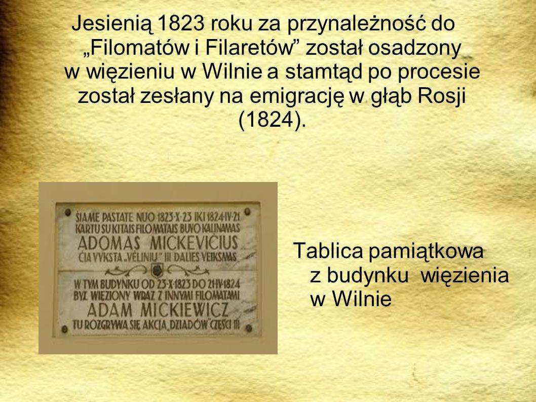 Tablica pamiątkowa z budynku więzienia w Wilnie