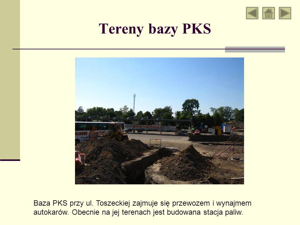 Tereny bazy PKS Baza PKS przy ul. Toszeckiej zajmuje się przewozem i wynajmem autokarów.