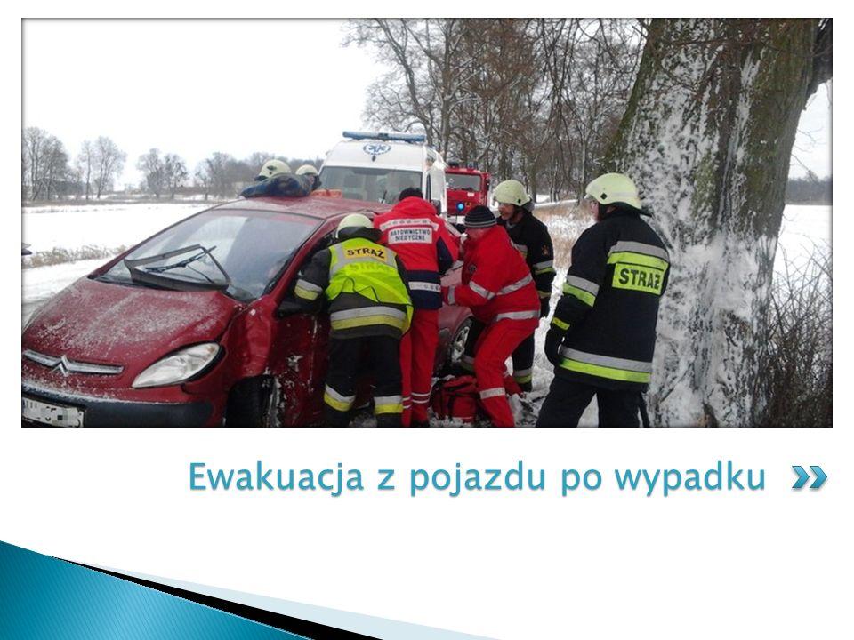 Ewakuacja z pojazdu po wypadku