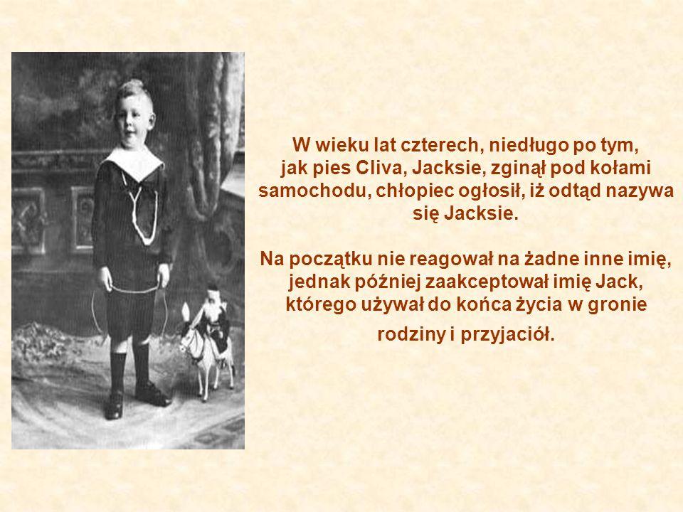 W wieku lat czterech, niedługo po tym, jak pies Cliva, Jacksie, zginął pod kołami samochodu, chłopiec ogłosił, iż odtąd nazywa się Jacksie.