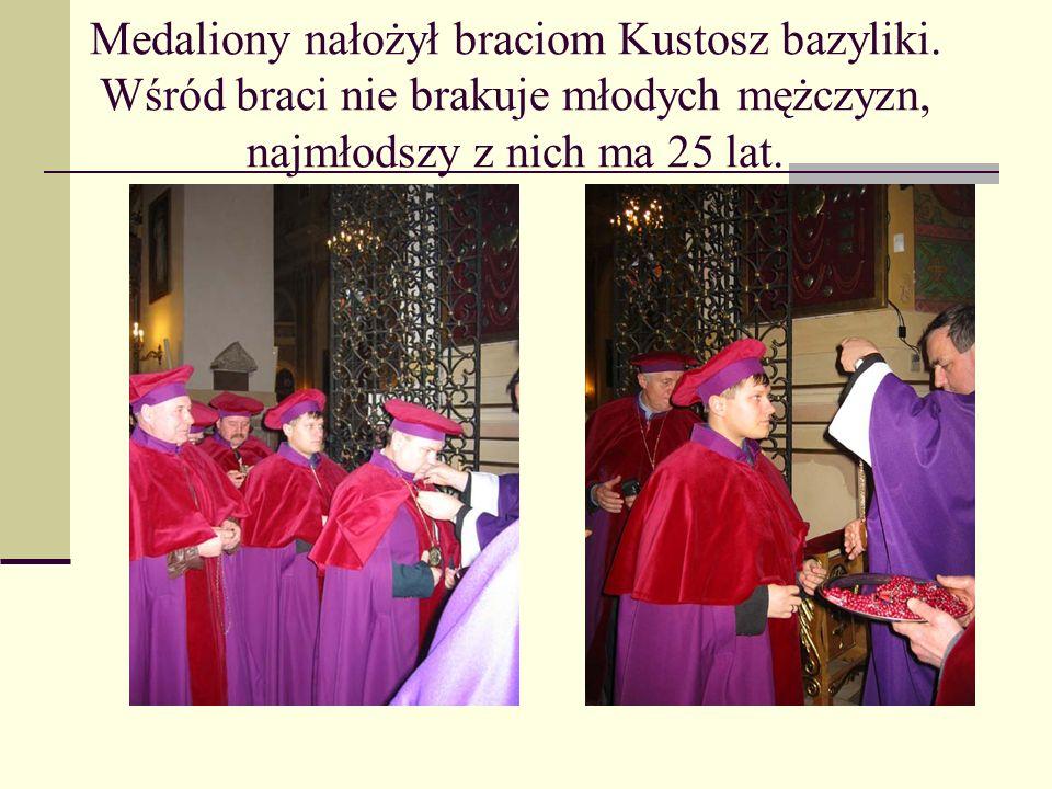 Medaliony nałożył braciom Kustosz bazyliki
