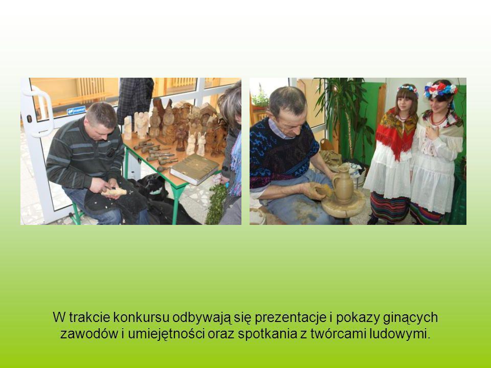 W trakcie konkursu odbywają się prezentacje i pokazy ginących zawodów i umiejętności oraz spotkania z twórcami ludowymi.