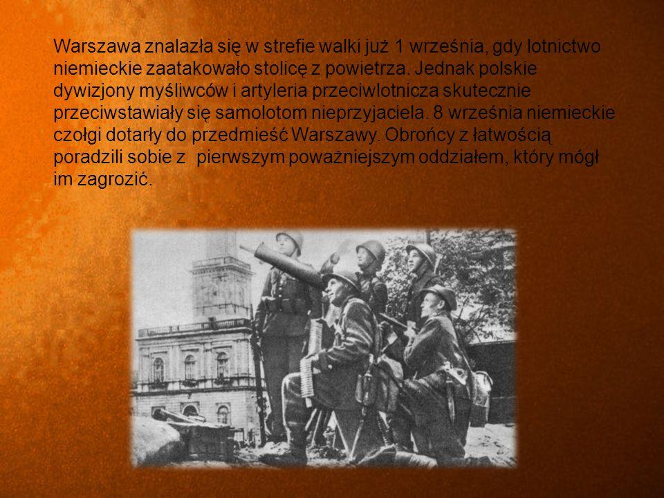 Warszawa znalazła się w strefie walki już 1 września, gdy lotnictwo niemieckie zaatakowało stolicę z powietrza.