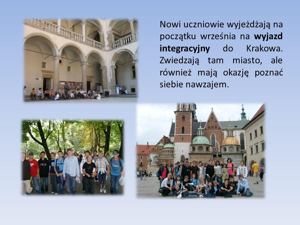 Nowi uczniowie wyjeżdżają na początku września na wyjazd integracyjny do Krakowa.