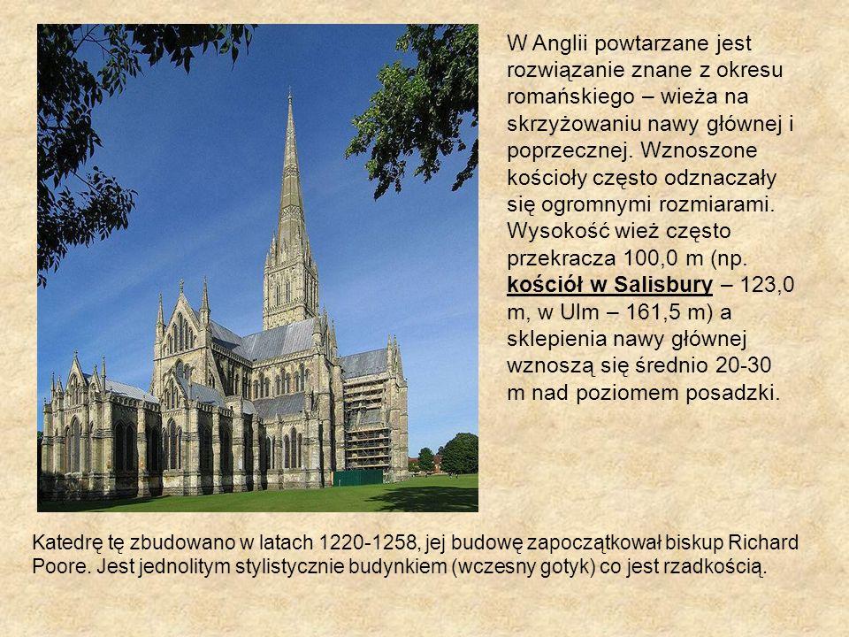 W Anglii powtarzane jest rozwiązanie znane z okresu romańskiego – wieża na skrzyżowaniu nawy głównej i poprzecznej. Wznoszone kościoły często odznaczały się ogromnymi rozmiarami. Wysokość wież często przekracza 100,0 m (np. kościół w Salisbury – 123,0 m, w Ulm – 161,5 m) a sklepienia nawy głównej wznoszą się średnio 20-30 m nad poziomem posadzki.