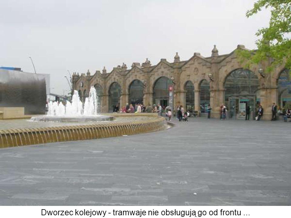 Dworzec kolejowy - tramwaje nie obsługują go od frontu ...