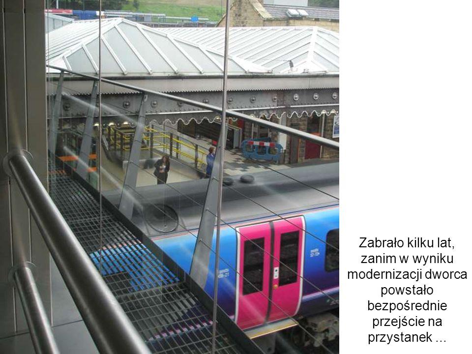 Zabrało kilku lat, zanim w wyniku modernizacji dworca powstało bezpośrednie przejście na przystanek ...