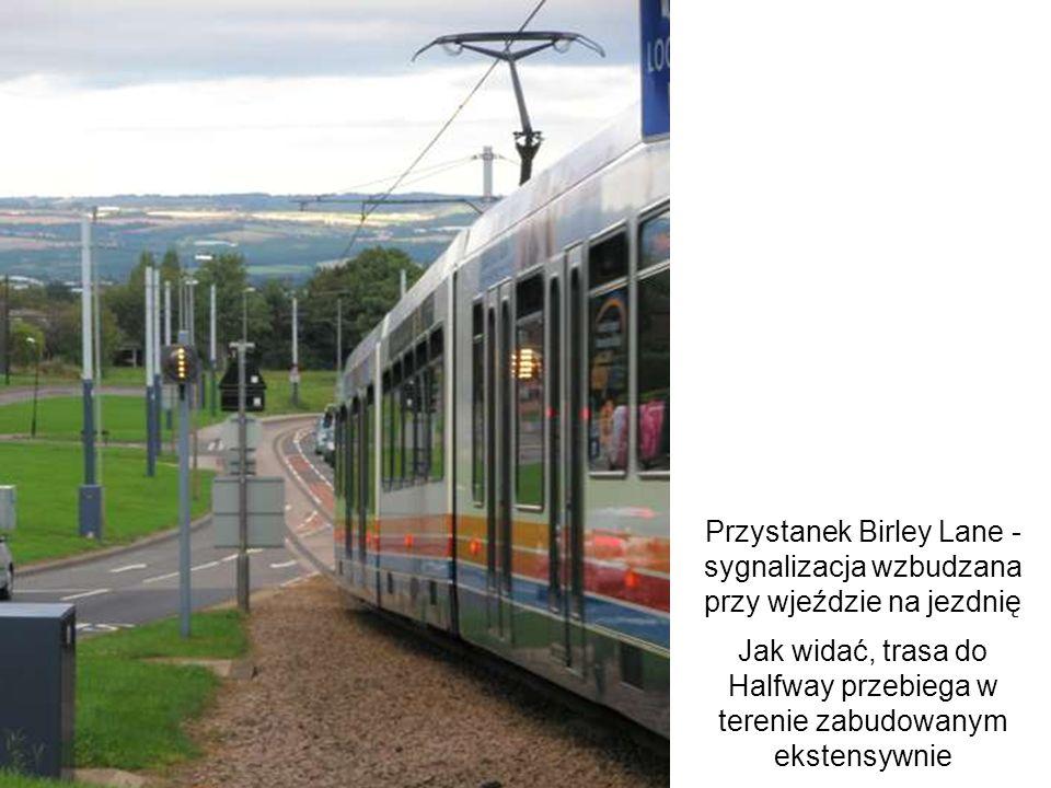 Przystanek Birley Lane - sygnalizacja wzbudzana przy wjeździe na jezdnię