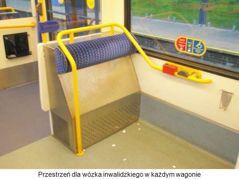 Przestrzeń dla wózka inwalidzkiego w każdym wagonie
