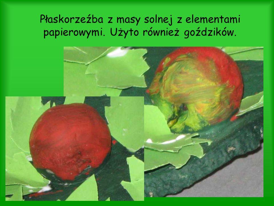 Płaskorzeźba z masy solnej z elementami papierowymi