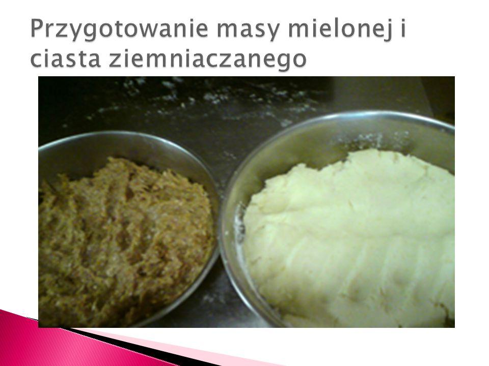 Przygotowanie masy mielonej i ciasta ziemniaczanego