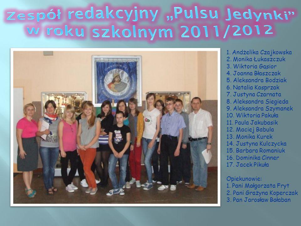 """Zespół redakcyjny """"Pulsu Jedynki w roku szkolnym 2011/2012"""