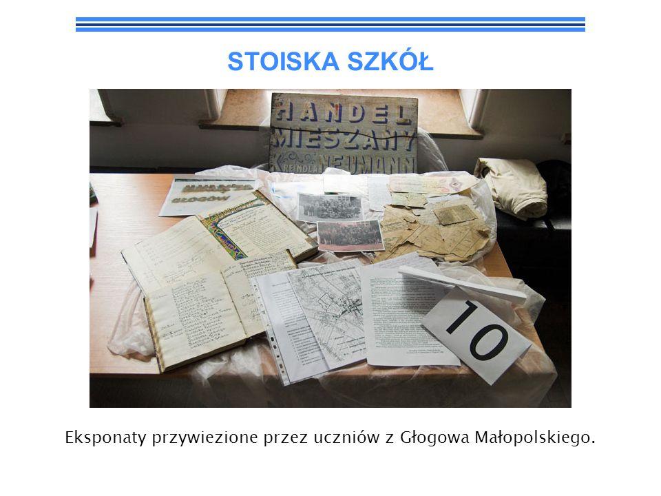 Eksponaty przywiezione przez uczniów z Głogowa Małopolskiego.