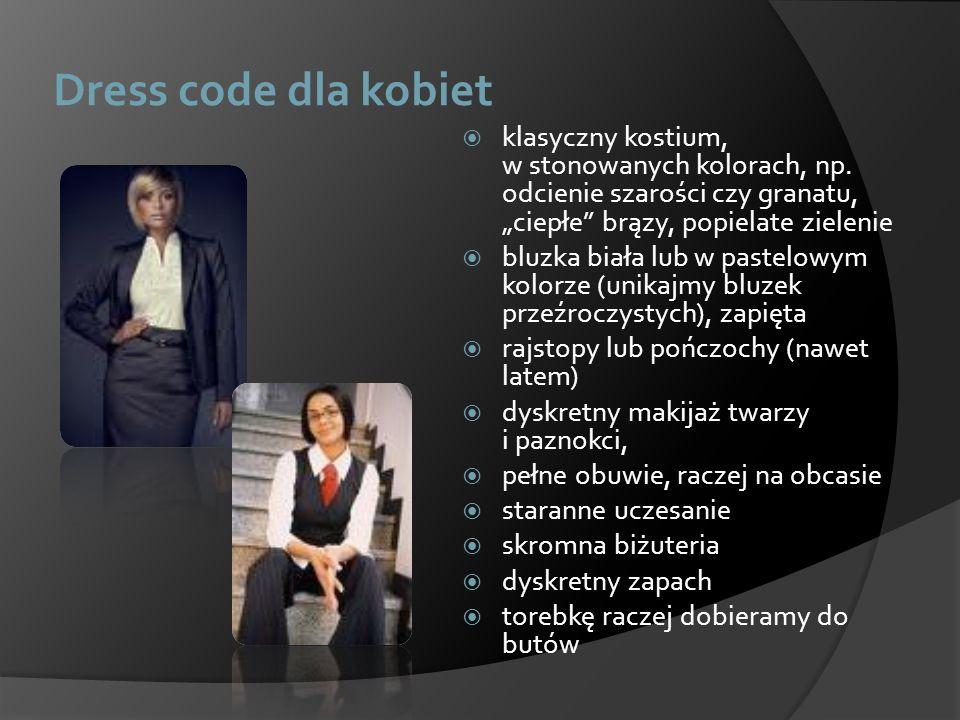 """Dress code dla kobiet klasyczny kostium, w stonowanych kolorach, np. odcienie szarości czy granatu, """"ciepłe brązy, popielate zielenie."""