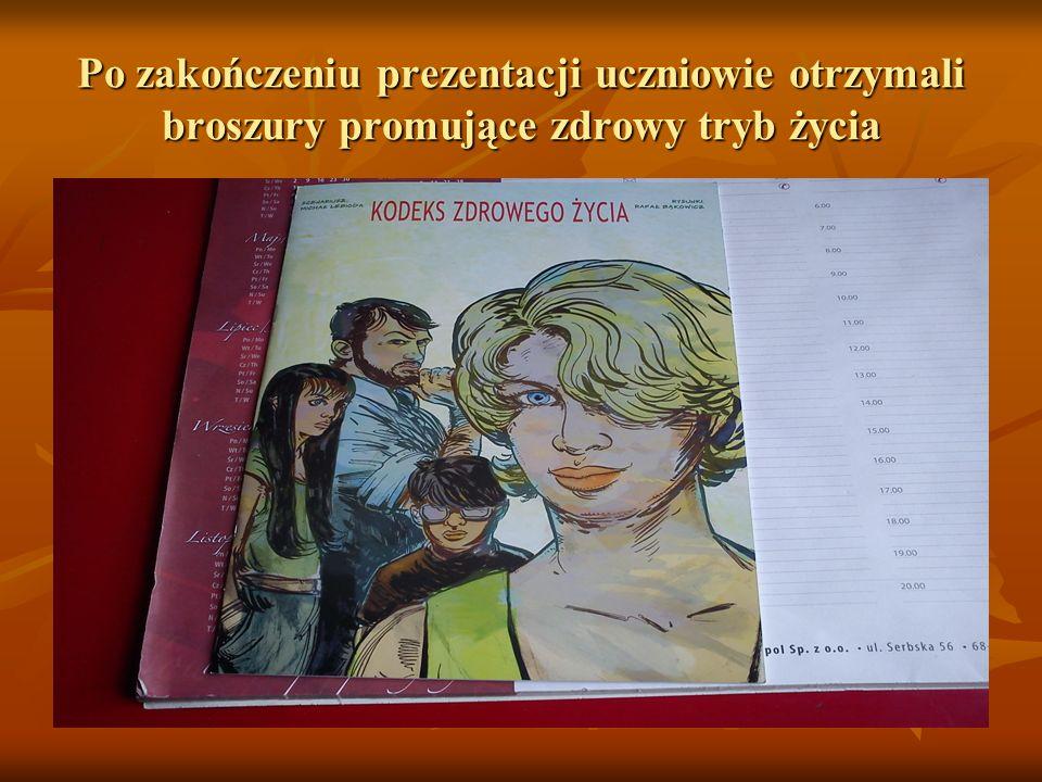 Po zakończeniu prezentacji uczniowie otrzymali broszury promujące zdrowy tryb życia