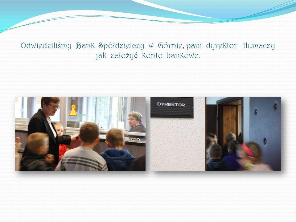 Odwiedziliśmy Bank Spółdzielczy w Górnie, pani dyrektor tłumaczy jak założyć konto bankowe.