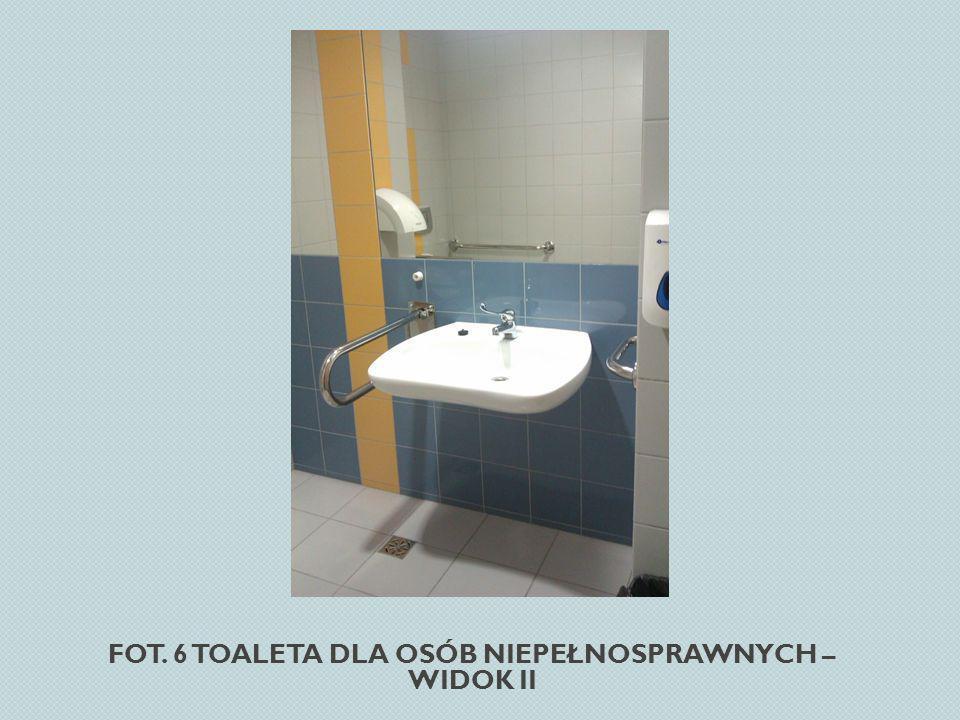 Fot. 6 Toaleta dla osób niepełnosprawnych – widok II