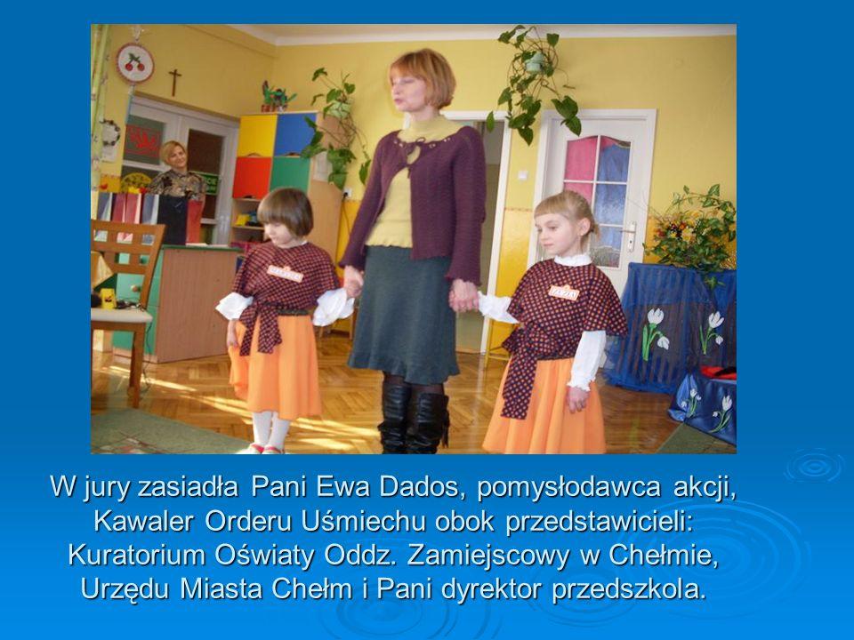 W jury zasiadła Pani Ewa Dados, pomysłodawca akcji, Kawaler Orderu Uśmiechu obok przedstawicieli: Kuratorium Oświaty Oddz.