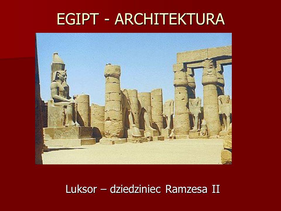 Luksor – dziedziniec Ramzesa II