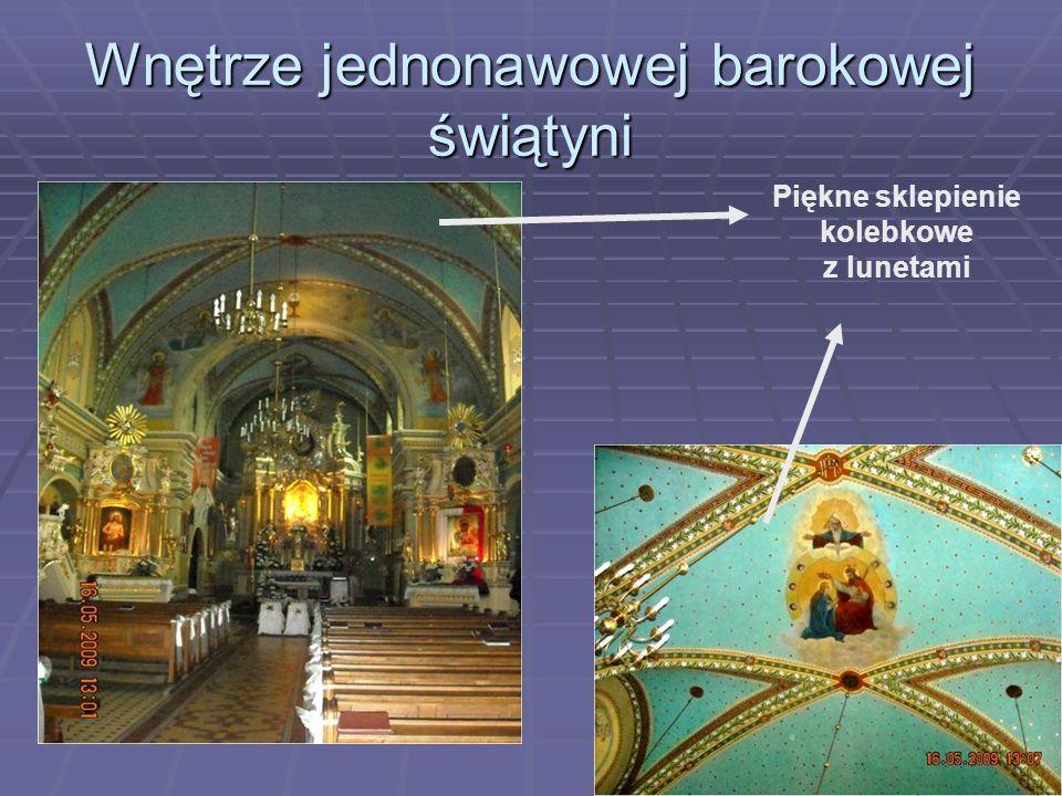 Wnętrze jednonawowej barokowej świątyni