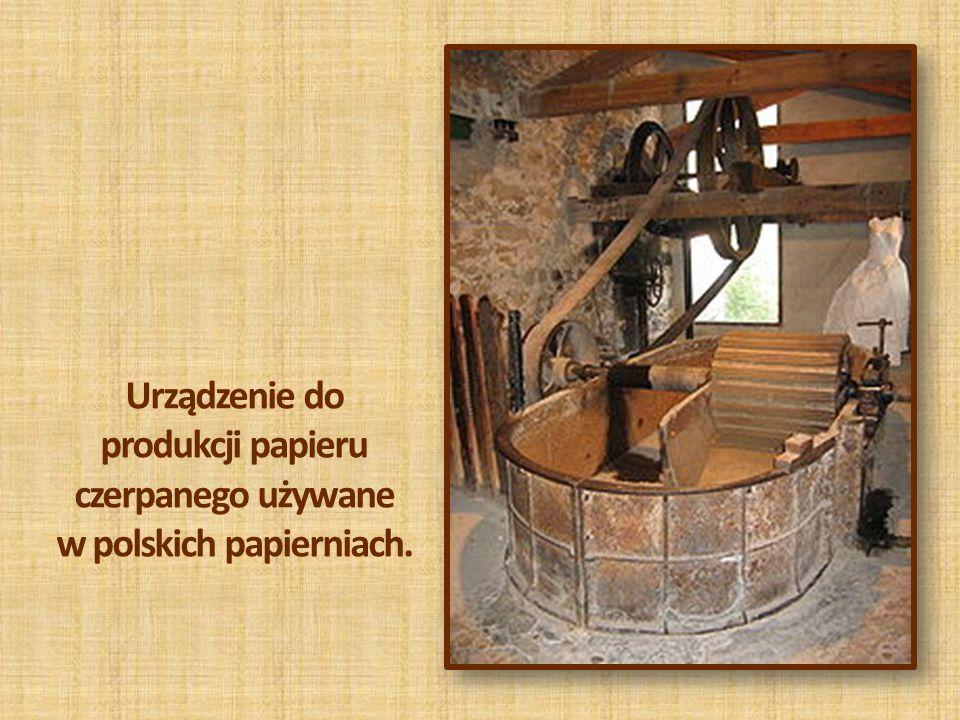 Urządzenie do produkcji papieru czerpanego używane w polskich papierniach.