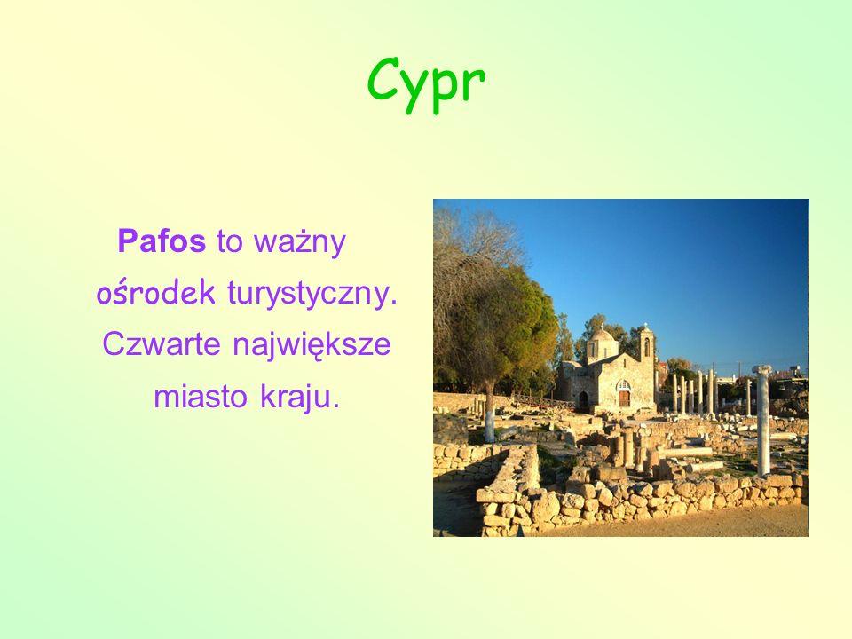 Pafos to ważny ośrodek turystyczny. Czwarte największe miasto kraju.