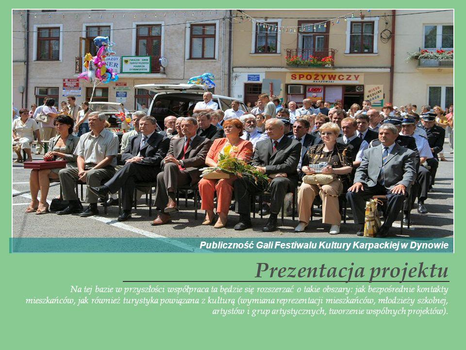 Publiczność Gali Festiwalu Kultury Karpackiej w Dynowie