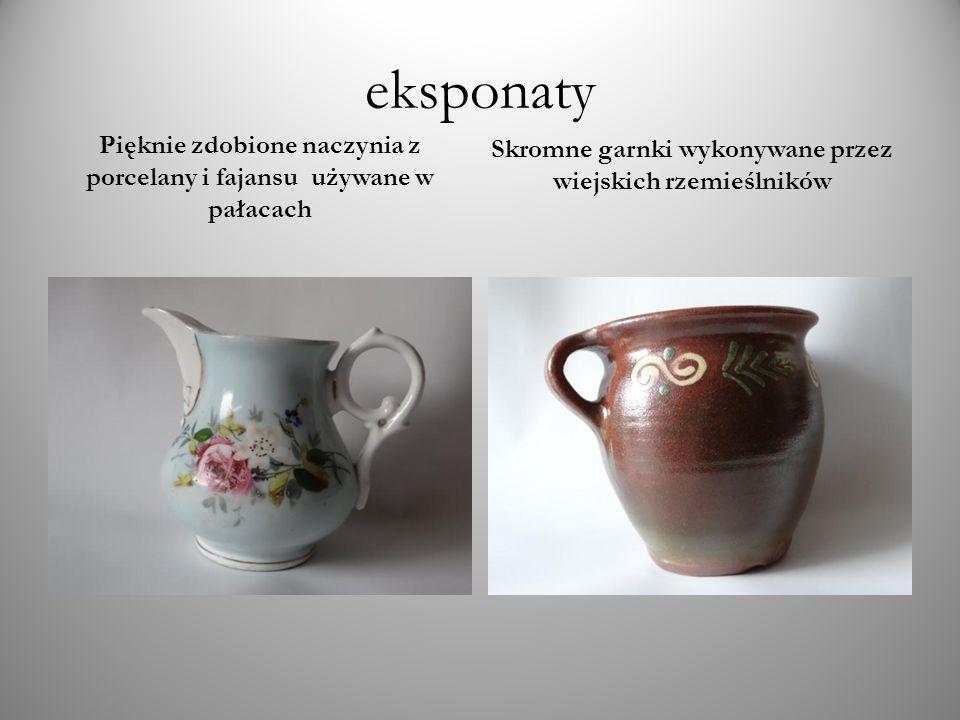 eksponaty Pięknie zdobione naczynia z porcelany i fajansu używane w pałacach.