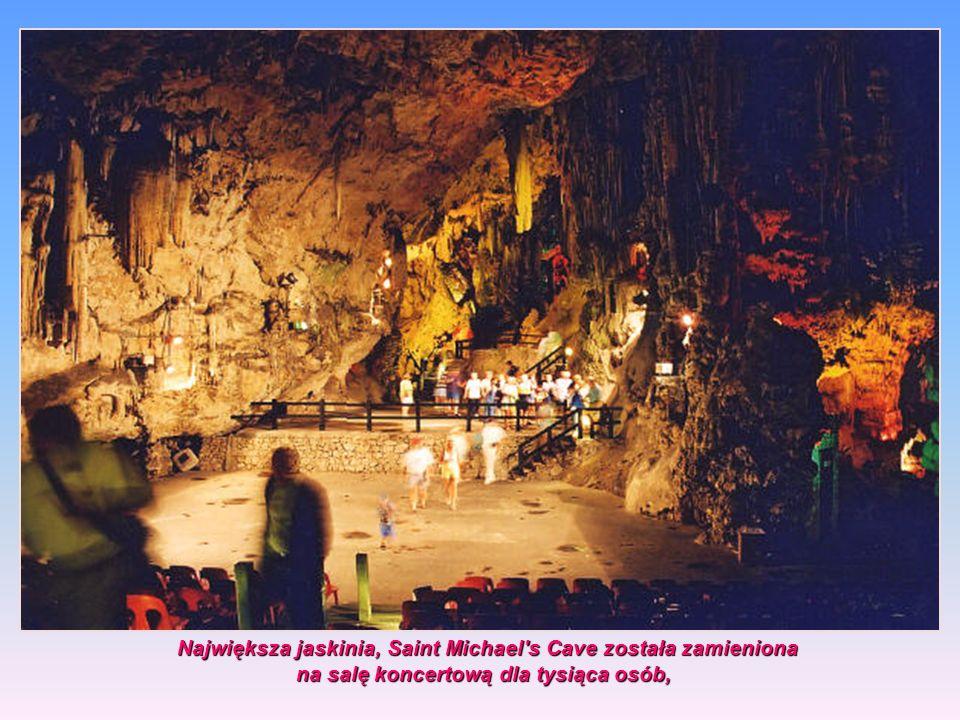 Największa jaskinia, Saint Michael s Cave została zamieniona