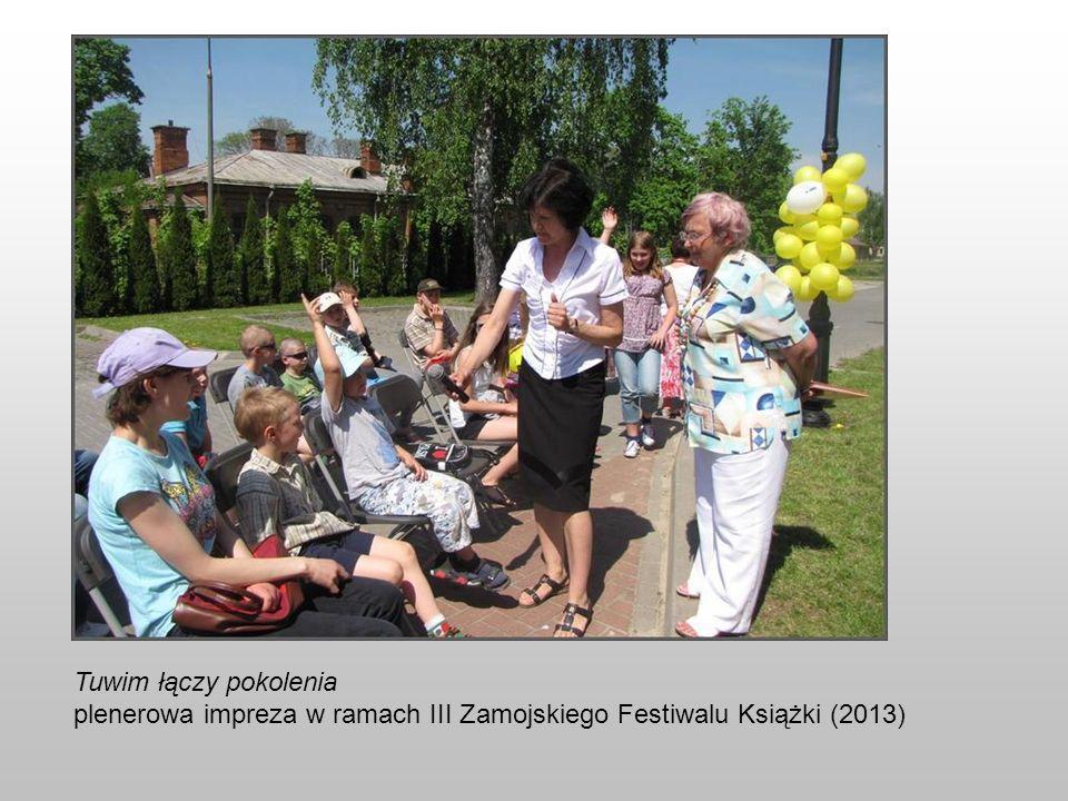 Tuwim łączy pokolenia plenerowa impreza w ramach III Zamojskiego Festiwalu Książki (2013)