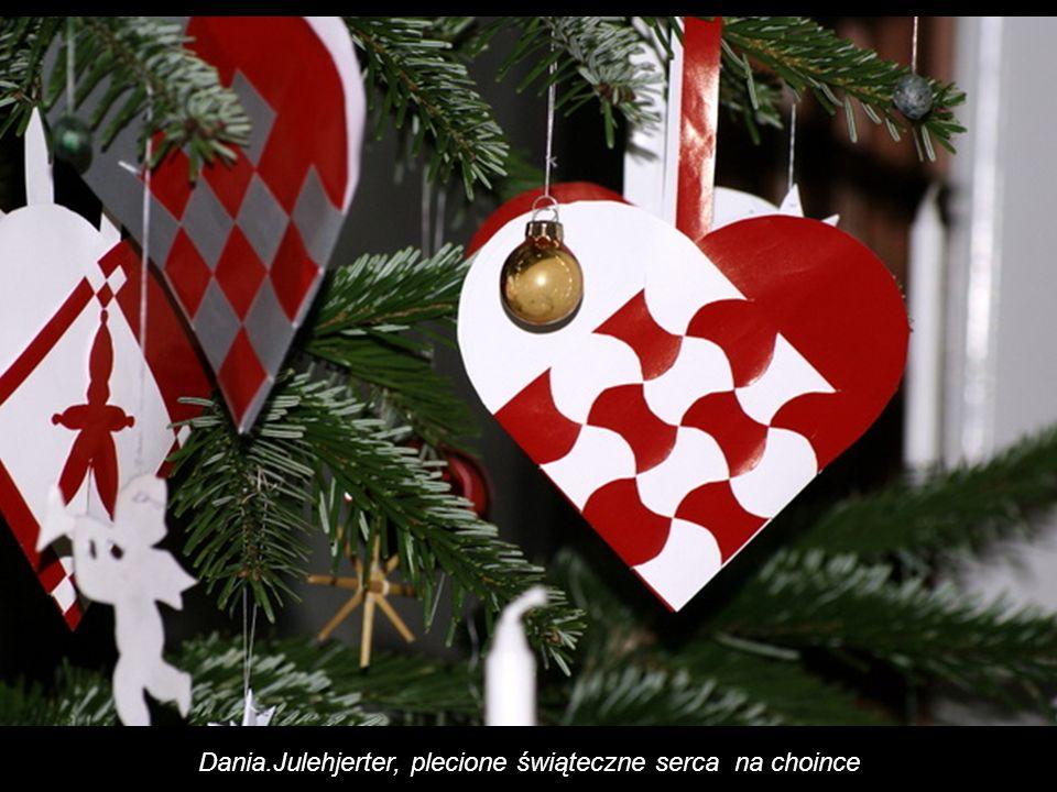 Dania.Julehjerter, plecione świąteczne serca na choince