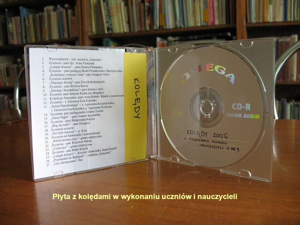 Płyta z kolędami w wykonaniu uczniów i nauczycieli