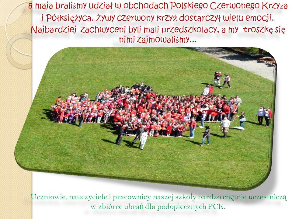 8 maja braliśmy udział w obchodach Polskiego Czerwonego Krzyża i Półksiężyca. Żywy czerwony krzyż dostarczył wielu emocji. Najbardziej zachwyceni byli mali przedszkolacy, a my troszkę się nimi zajmowaliśmy...