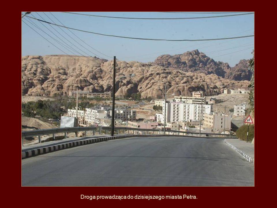 Droga prowadząca do dzisiejszego miasta Petra.