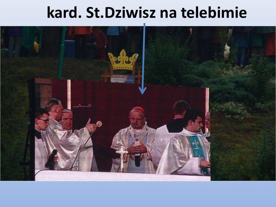 kard. St.Dziwisz na telebimie